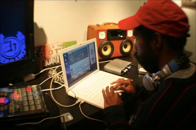 Dibiase Making Beats with 2Hermano - Sacramento